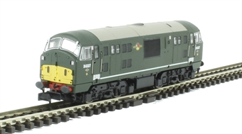 2D-012-011 Class 22 diesel locomotive D6327 in BR green with amended yellow panels & disc headcodes
