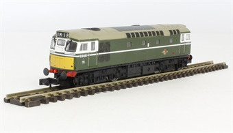 2D-013-001 Class 27 D5401 in BR green with small yellow panels.