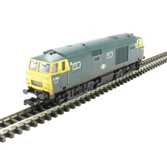 2D-018-002 Class 35 Hymek D7026 in BR blue with full yellow ends - weathered