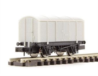 2F-013-000 Gunpowder van - unpainted