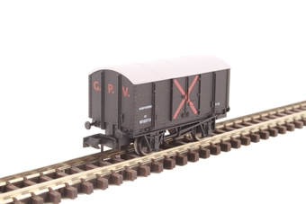 2F-013-037 4-wheel Gunpowder van W105715 in GWR livery