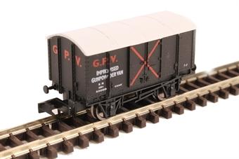 2F-013-063 GPV Gunpowder van in SR livery