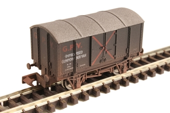 2F-013-064 GPV Gunpowder van in SR livery - weathered