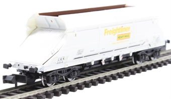 2F-026-004 HIA aggregate limestone hopper 369044 in Freightliner white livery