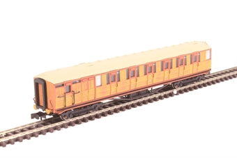 2P-011-208 LNER Gresley teak brake 5542 in LNER teak livery