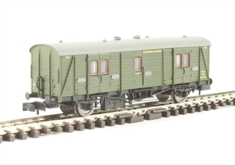 2P-012-202 Maunsell brake van 700 in SR olive green £15