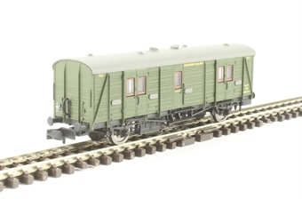 2P-012-203 Maunsell brake van 422 in SR olive green