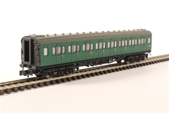 2P-012-402 Maunsell third class corridor S810S in BR southern region green
