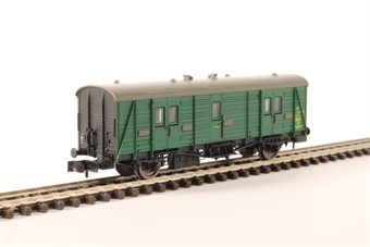 2P-012-504 Maunsell brake van S766S in BR southern region green