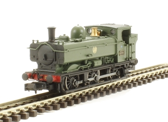 2S-007-011 Class 57xx pannier 0-6-0T 6746 in GWR green with shirtbutton emblem