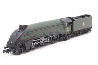 "2S-008-005D-PO Class A4 steam locomotive 60022 ""Mallard"" in BR green with early crest & double chimney. DCC fitted - Pre-owned - Like new"