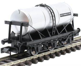 "2f-031-016 6 wheel milk tanker ""United Creameries"""