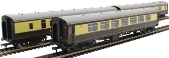 30-525Coaches 2 x Pullman Cars (349 & 335) & 1 x Mk1 BSK in Pullman Umber & Cream - separated from the Shakespeare Express set