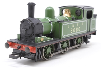 31-050A-PO Class J72 0-6-0T 8680 in LNER green - Pre-owned - missing coupling hook