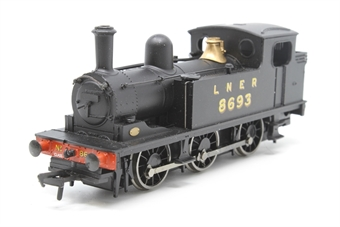 31-057-PO08 Class J72 0-6-0T 8693 in LNER black - Pre-owned - Like new - imperfect box