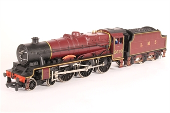 31-157-HR Class 5XP Jubilee 4-6-0 5670 'Howard of Effingham' in LMS crimson - Pre-owned - renamed and renumbered, replacement box