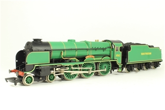 31-400 Lord Nelson Class 4-6-0 850 'Lord Nelson' in SR Malachite Green - Limited Edition of 1000 Pieces
