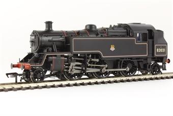 31-981 Standard Class 3MT tank 82021 in BR lined black early emblem