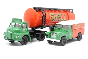 31005-PO03 'Shell/BP' Articulated Cylindrical Tanker and Land Rover Set - Pre-owned - Like new
