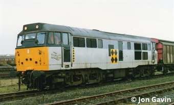 3122 Class 31/1 in Railfreight 'Sector' triple grey - unnumbered
