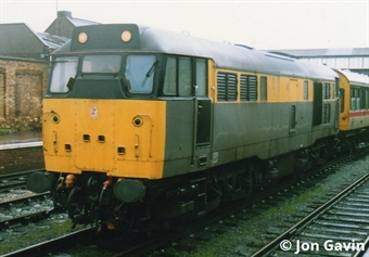 3123 Class 31/1 in Civil Engineers 'dutch' grey and yellow - unnumbered