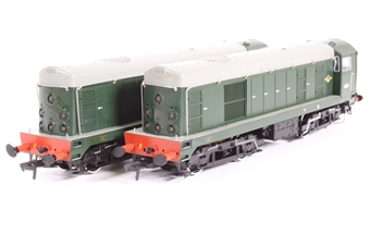 32-027Y Class 20 Pack D8000 & D8001 in BR green with Discs. Limited edition of 504 for Ian Allans 50th Anniversary