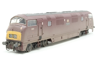 32-060-PO02 Class 42 Warship D801 'Vanguard' in BR Maroon (weathered) - Pre-owned - incorrect box £84