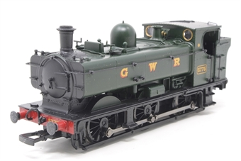 32-215-PO07 Class 57xx Pannier tank 5775 in GWR Green - Pre-owned - sold as seen, Non runner, missing coupling hooks