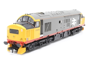 32-379-PO06 Class 37/5 37678 in Railfreight Red Stripe Livery - Pre-owned - missing glazing on one side of body, imperfect box