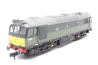 32-411-PO09 Class 25/2 D5233 in Two Tone BR Green with Roof Headcode - Pre-owned - DCC fitted - weathered - replacement box