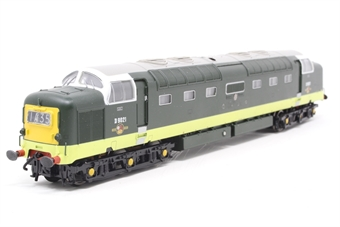 32-525X-PO02 Class 55 Deltic D9021 'Argyll & Sutherland' in BR Two Tone Green with Illuminated Four Digit Centre Head Code - Limited Edition for The Model Centre (TMC) - Pre-owned - faulty cab light