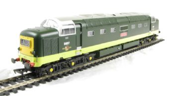 32-529 Class 55 Deltic D9017 'Durham Light Infantry' in BR Two Tone Green