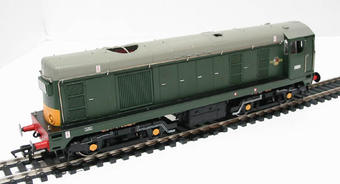 32-028 Class 20 D8134 in BR Green with Indicator Boxes