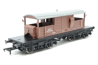 33-825D-PO04 25 ton Queen Mary brake van in BR brown livery - Pre-owned - Like new £17