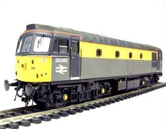 "3300 Class 33/0 diesel ""Sealion"" 33065 in Civil Engineers ""Dutch"" livery"