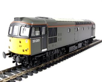 3325 Class 33/2 diesel 33201 in Engineers grey