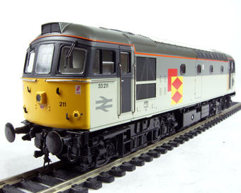 3330 Class 33/2 diesel 33211 in Railfreight Distribution sector livery