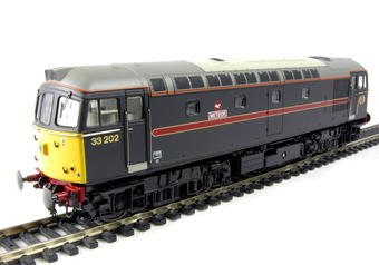 """3334 Class 33/2 diesel 33202 """"Meteor"""" in Fragonset livery"""