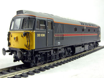 3350 Class 33/1 diesel 33108 in Fragonset livery