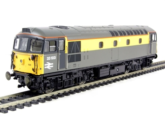 """3355 Class 33/1 diesel 33103 in Civil Link """"Dutch"""" livery"""
