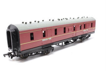 34-325-PO05 Stanier 50ft parcel van in BR maroon - Pre-owned - loose glazing and missing coupling