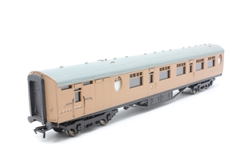 34-427-PO05 Thompson 63ft brake composite coach in post-war LNER brown - Pre-owned - imperfect box