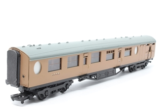 34-427-PO07 Thompson 63ft brake composite coach 1142 in post-war LNER brown - Pre-owned - marks on body - modified vestibules - imperfect box