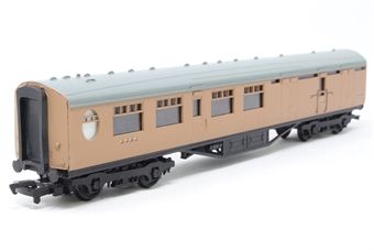 34-452-PO05 63ft. Thompson 2nd Class Brake Corridor Coach 1908 in LNER Brown Livery - Pre-owned - Like new