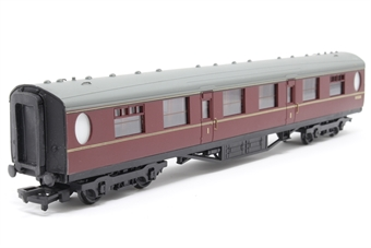 34-476-PO 63ft. Thompson 1st Class Corridor Coach E1322E in BR Maroon Livery - Pre-owned - Marks on glazing - Imperfect box
