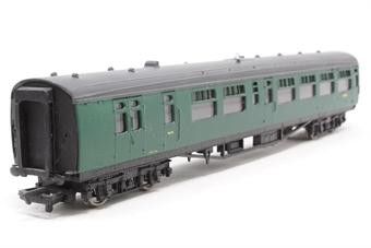 34-500-PO05 63ft. Bullied 2nd Class Corridor, Open, Brake Coach S3945S in BR 'Southern Region' Green Livery - Pre-owned - repainted on one side - imperfect box