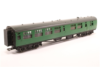 34-500-PO 63ft. Bullied 2nd Class Corridor, Open, Brake Coach S3945S in BR 'Southern Region' Green Livery - Pre-owned- marks on bodywork-imperfect box -