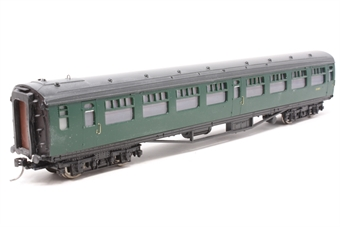 34-529A-PO04 Bulleid 63ft corridor 2nd in green  - Pre-owned - fitted with kadee couplings, imperfect box