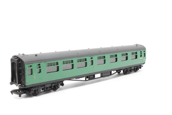 34-551-PO09 63ft. Bullied Composite Corridor Coach S5890S in BR 'Southern Region' Green Livery - Pre-owned - Like new - imperfect box