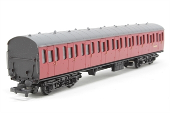 34-601-PO06 BR Standard Mk1 57ft suburban coach M46083 in crimson - Pre-owned - missing buffer